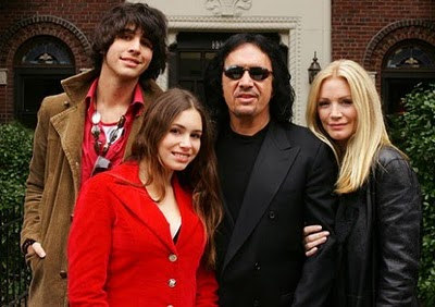 Gene Simmons ? Shannon Tweed Relationship On The Rocks?